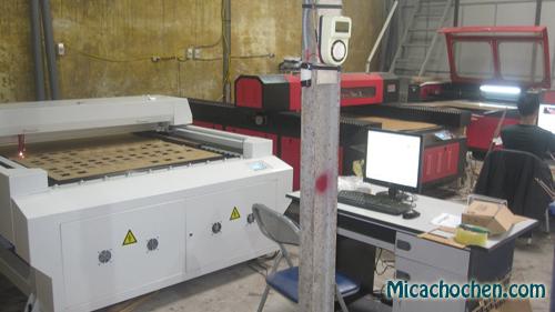 Cắt chữ mica bằng công nghệ laser giá rẻ tại Hà Nội