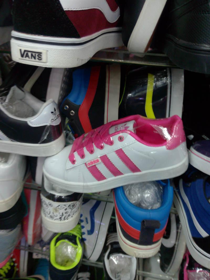 giay adidas the thao neo hong