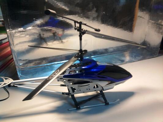 Máy bay điều khiển từ xa 3D