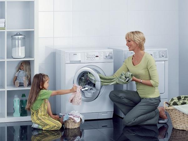 cách giặt quần áo trẻ em