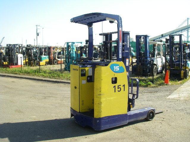 Xe nâng komatsu tải trọng 1,5 tấn đứng lái