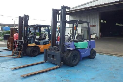 xe nâng dầu mitsubishi 3 tấn FD30