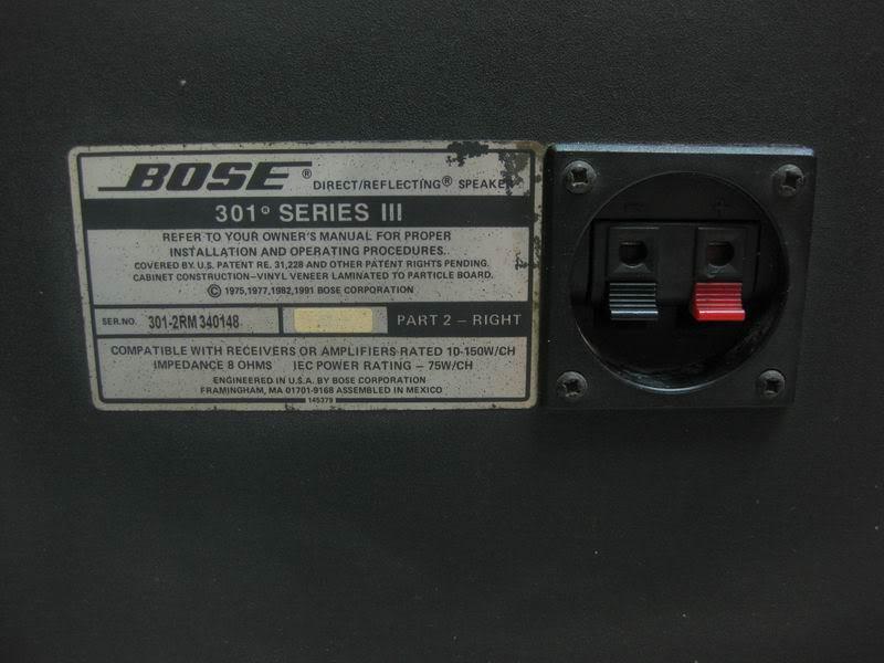 Mặt sau của loa bose 301 seri II