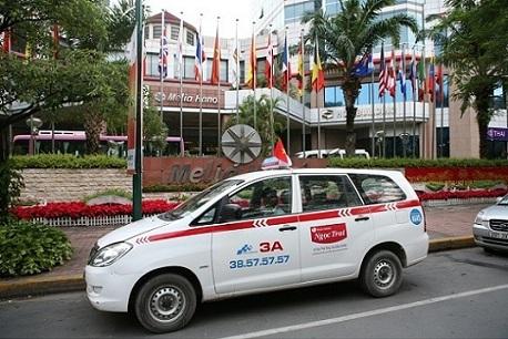 tuyen lai xe taxi group