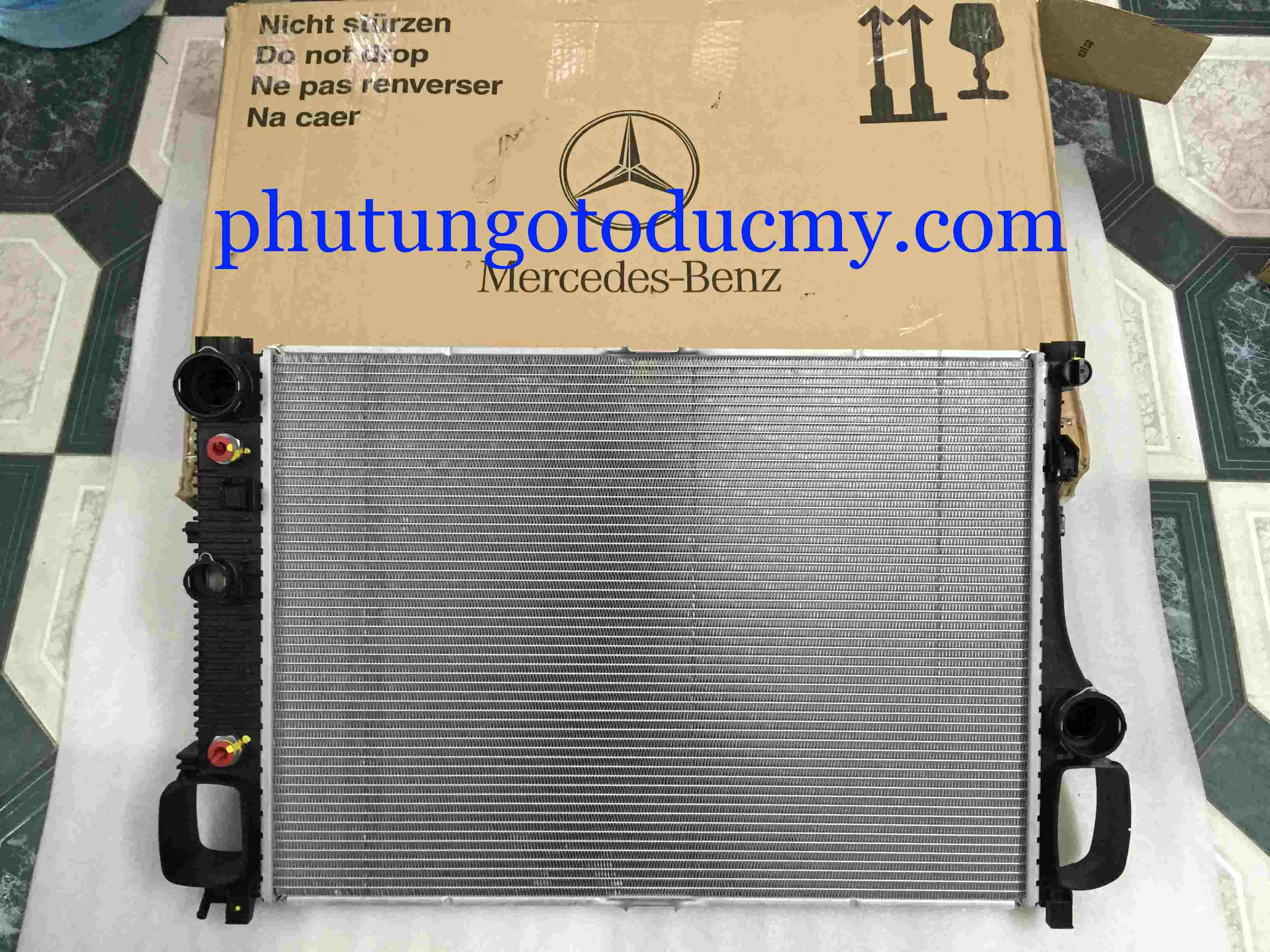 Két nước Mercedes S350,S500,S550,S63 W221- A2215002603
