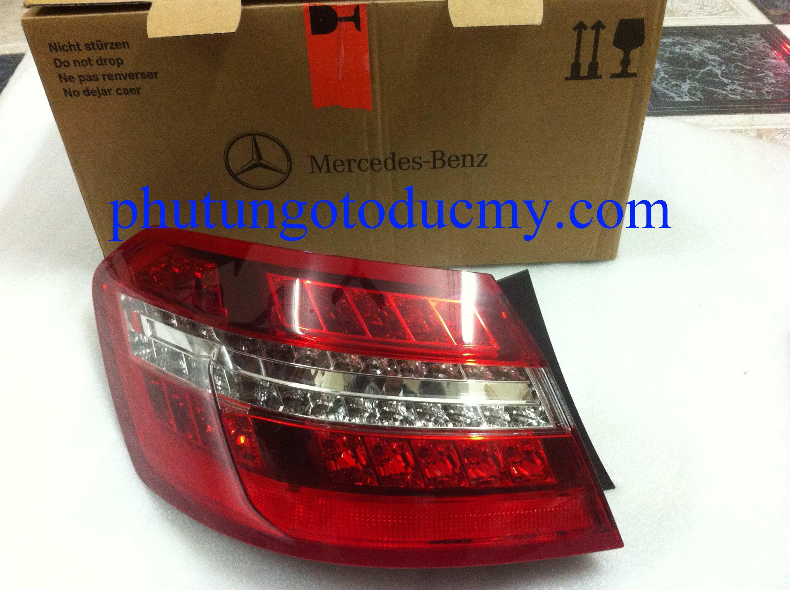 Đèn hậu Mercedes E250,E300,E350 W212- A2129060658