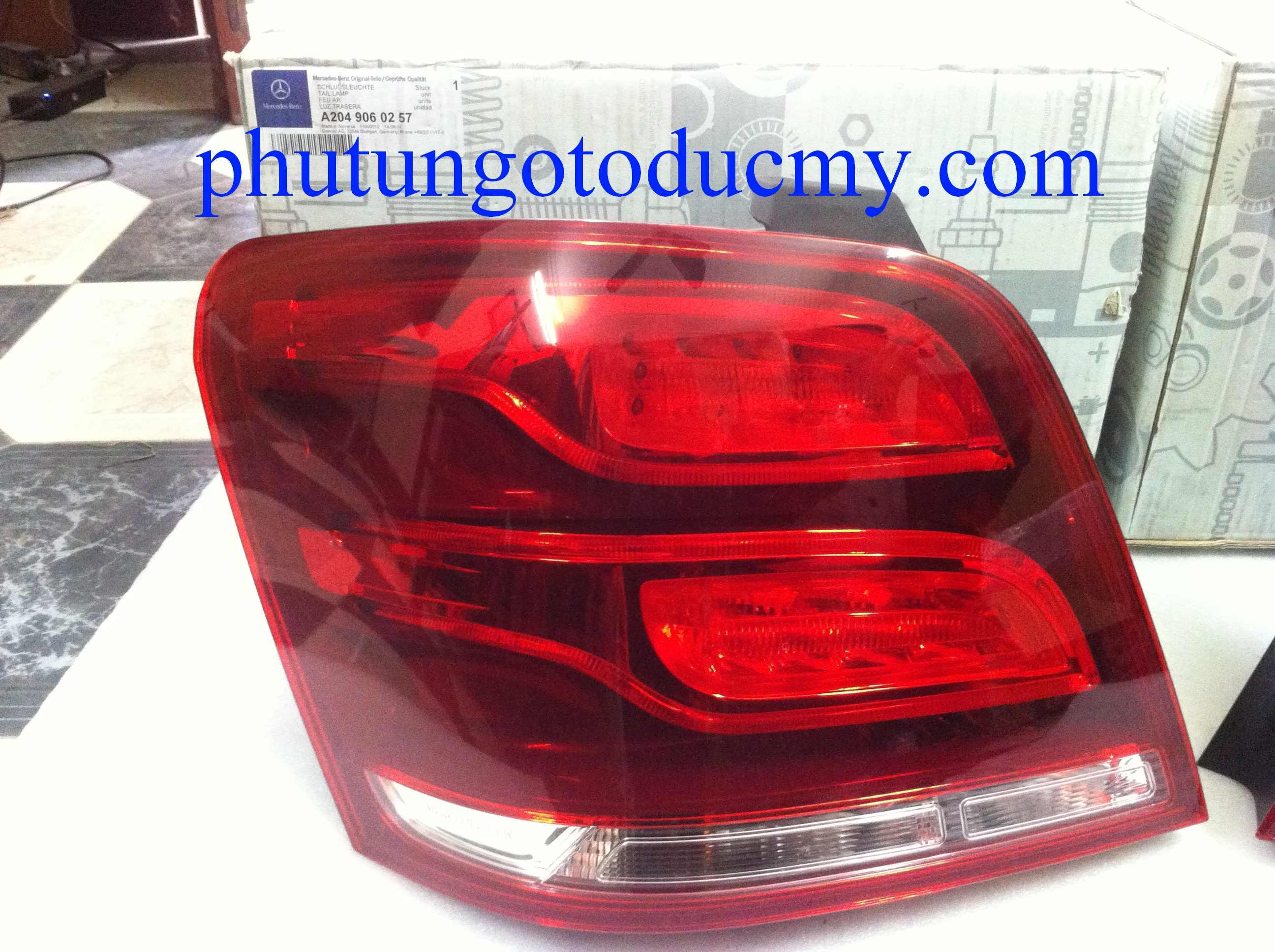 Đèn hậu Mercedes GLK250,GLK220- A2049060257