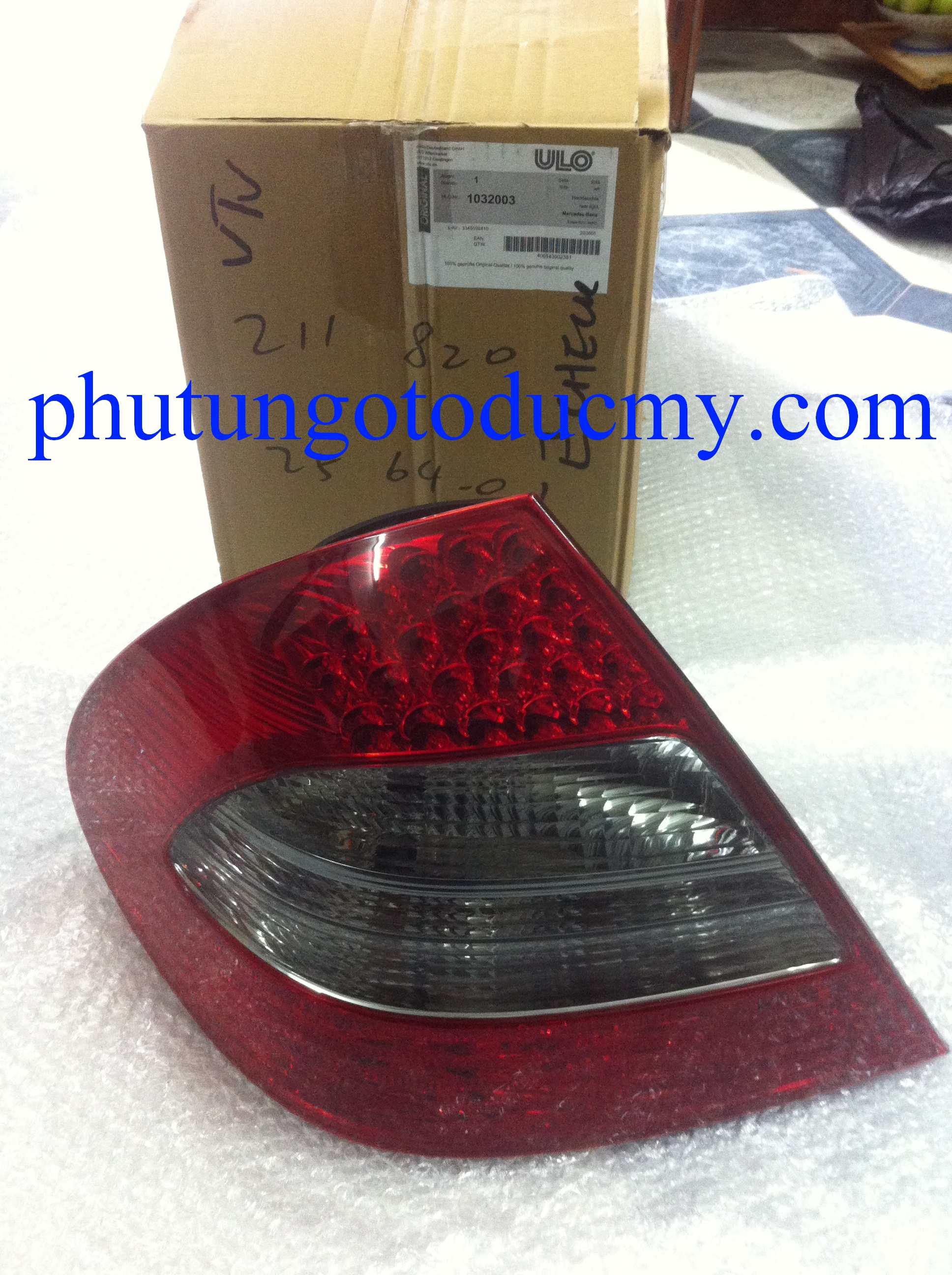 Đèn hậu Mercedes E200 W211- A2118202564