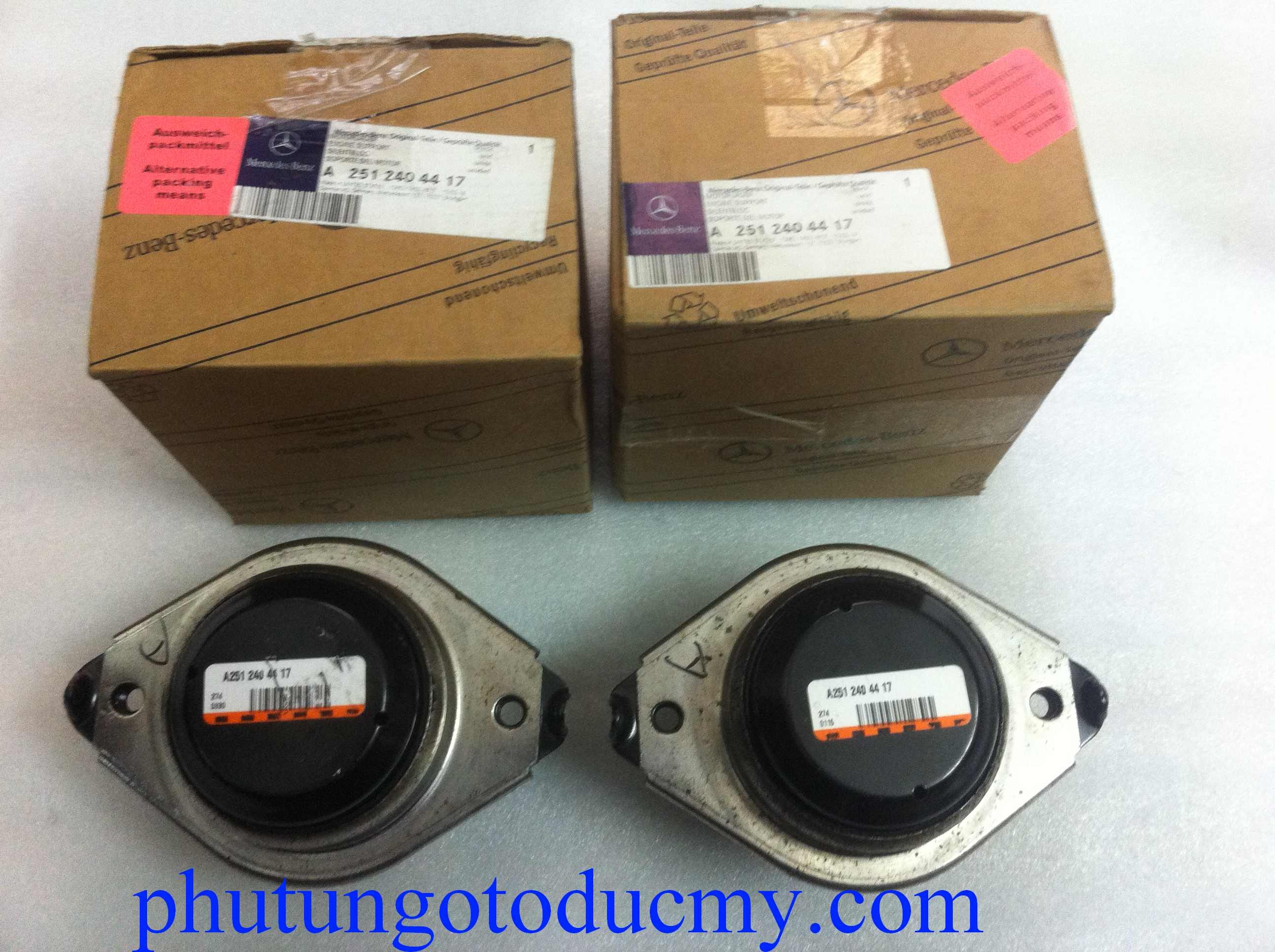 Cao su chân máy Mercedes ML300,ML320,ML350 W164- A2512404417