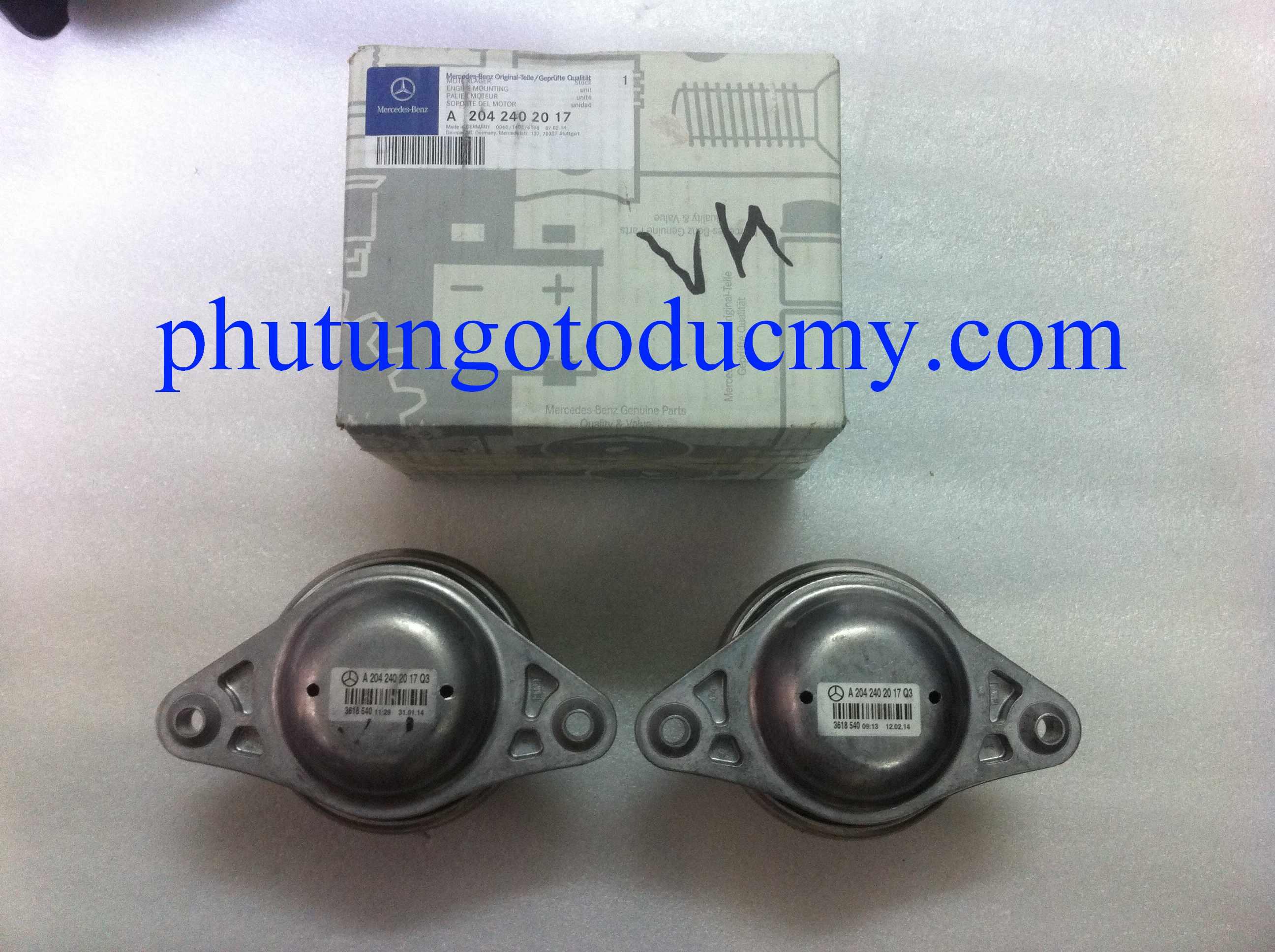 Cao su chân máy  Mercedes GLK300,GLK250,GLK220-A2042402017