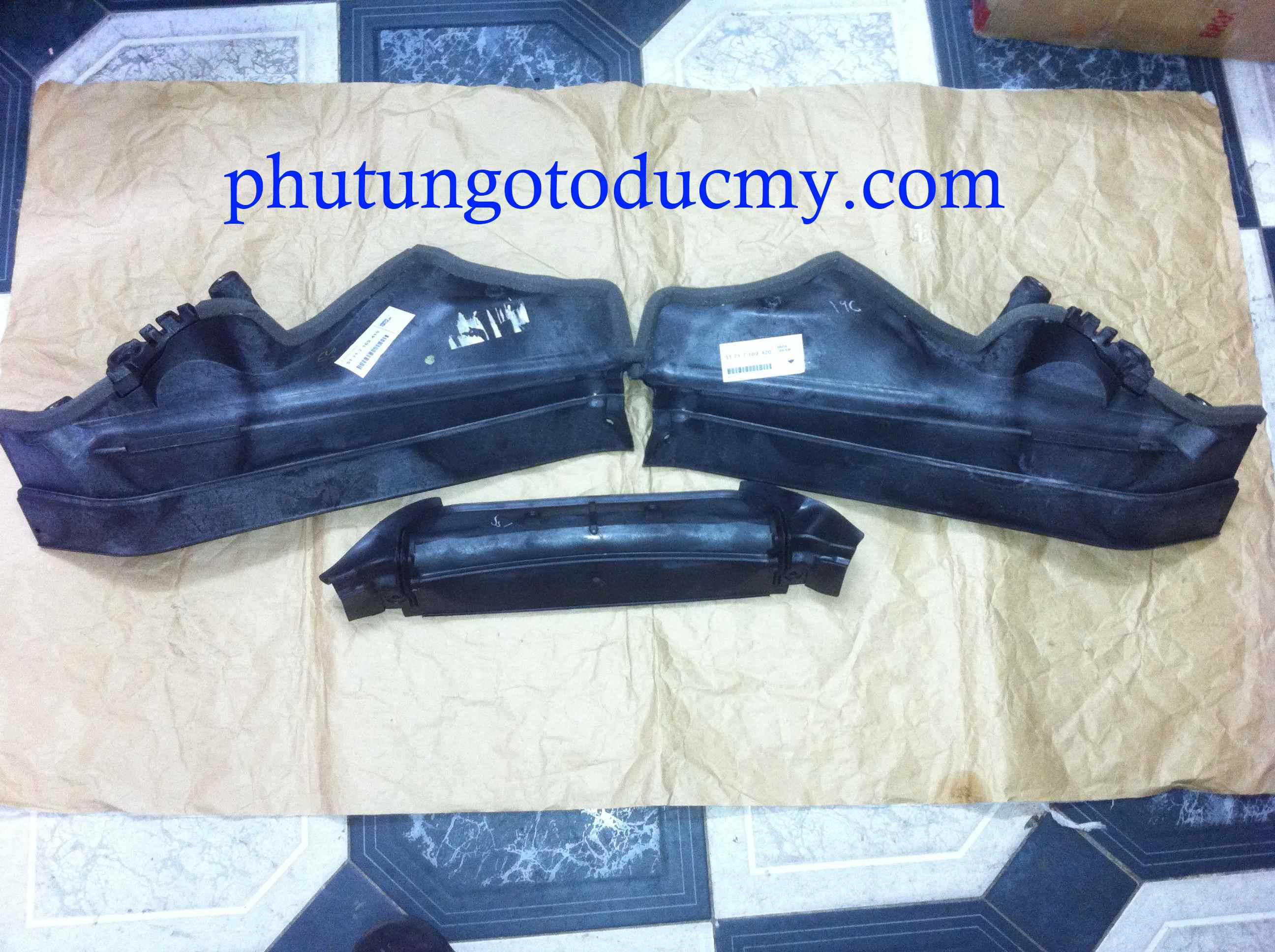 Ốp nhựa khoang máy Bmw X5 E70, X6 E71 - 51717169419