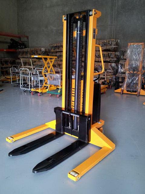 Xe nâng bán tự động Meditek chân khuỳnh SES15/50