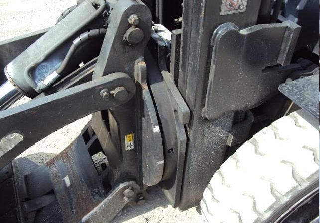 xe nang dong co xăng sumitomo 2 tan nâng cao 4.5 et doi 2004