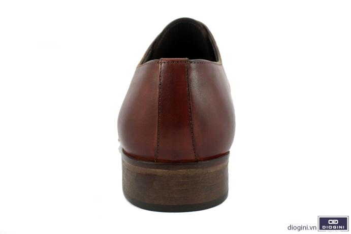 mặt sau giày da
