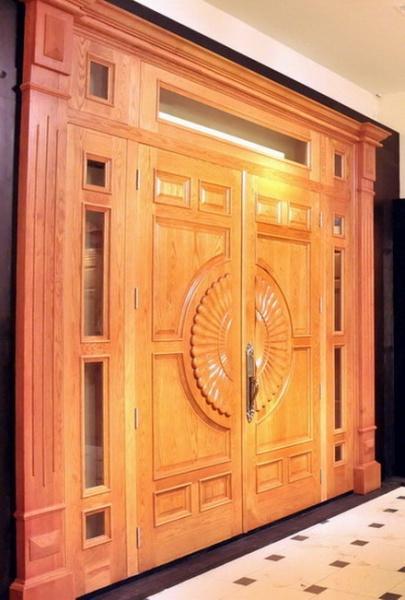 cửa đi bốn cánh gỗ dổi