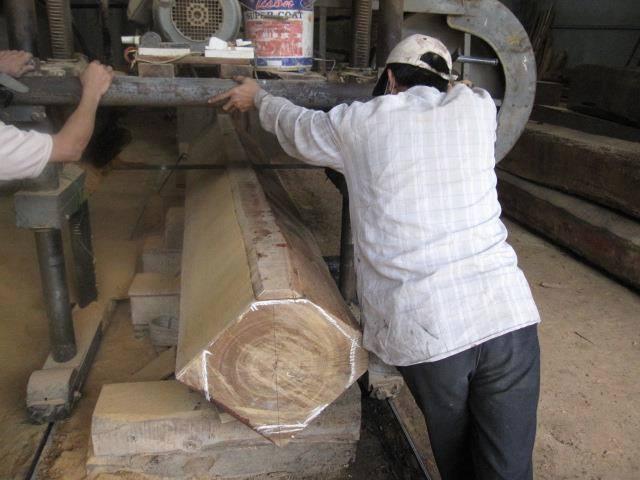 nhà gỗ lim