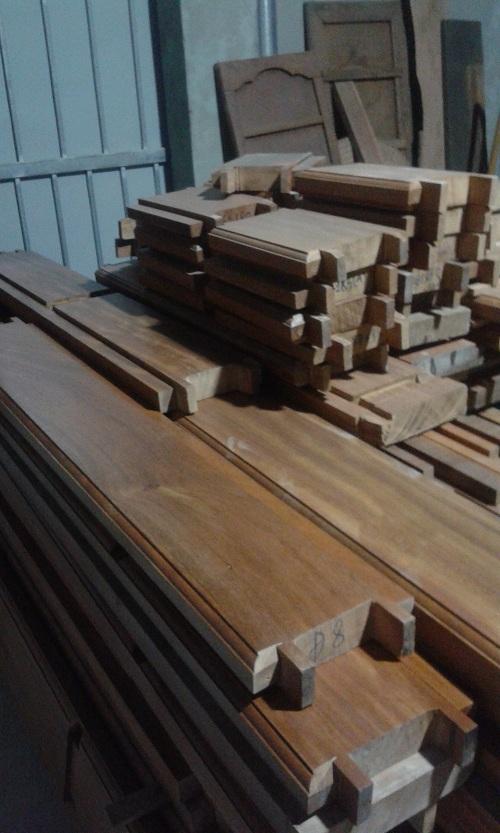 khung cửa gỗ lim nam phi