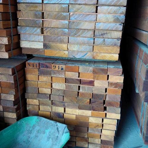 khuôn cửa gỗ lim
