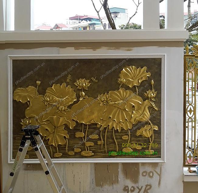 tranh phu dieu hoa sen dap bang xi mang