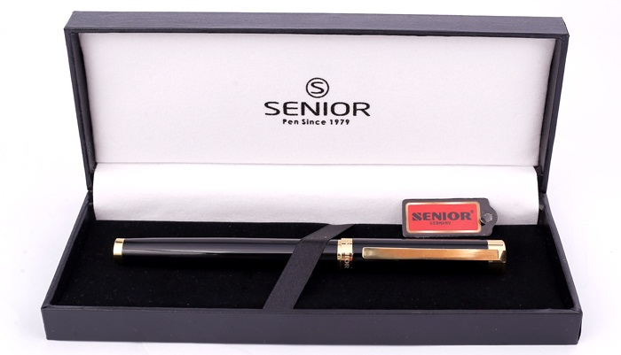 Bút và hộp đựng bútdạ bi Senior SN 816RBK