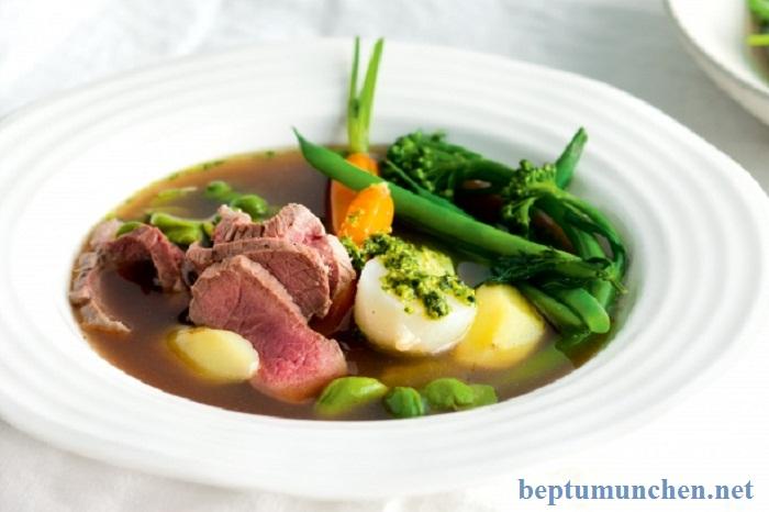 Món thịt cừu nấu cùng rau củ quả thơm ngon tại nhà