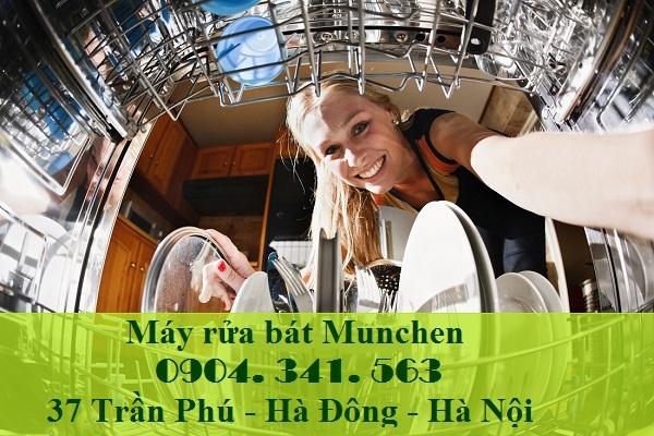 Khoang chứa máy rửa bát munchen m15 lớn