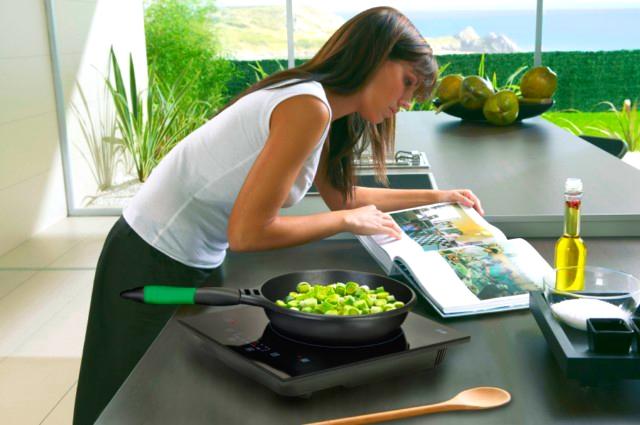 Bếp từ an toàn với sức khỏe người dùng