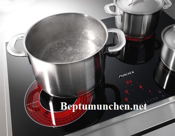 Nấu ăn nhanh với bếp điện từ Munchen