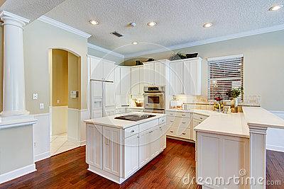 Trang trí lại không gian bếp thêm sang trọng và ấm cúng hơn