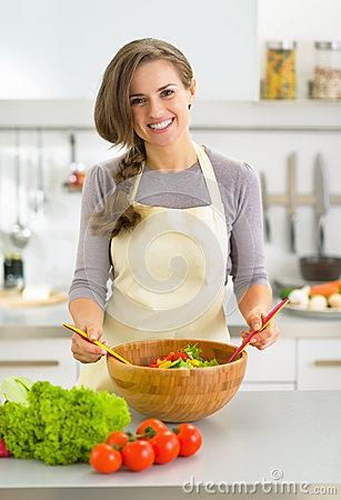 Chiêm ngưỡng thiết kế độc đáo và ấn tượng của bếp điện từ Giovani G 271ET
