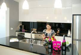 Siêu khuyến mại với bếp điện từ Giovani G 241 ET