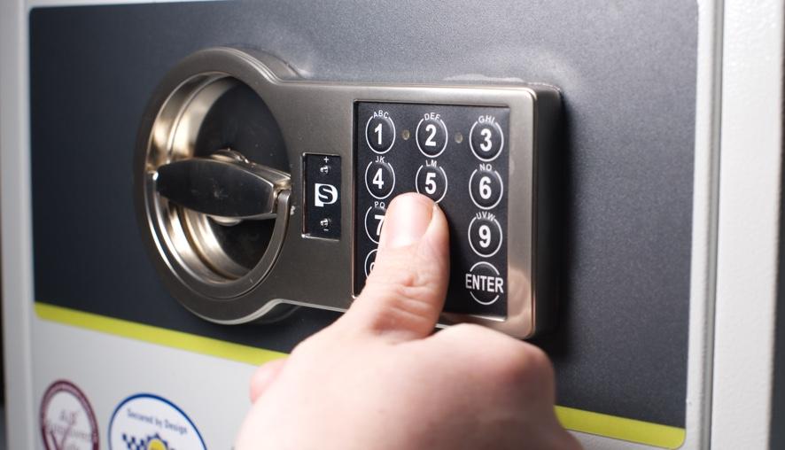Két sắt sử dụng mật khẩu để mở