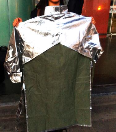 Áo chống cháy chịu nhiệt -vải dickson PTL ( áo hở lưng , có khóa hoặc băng nhám chịu nhiệt , áo dài 1m