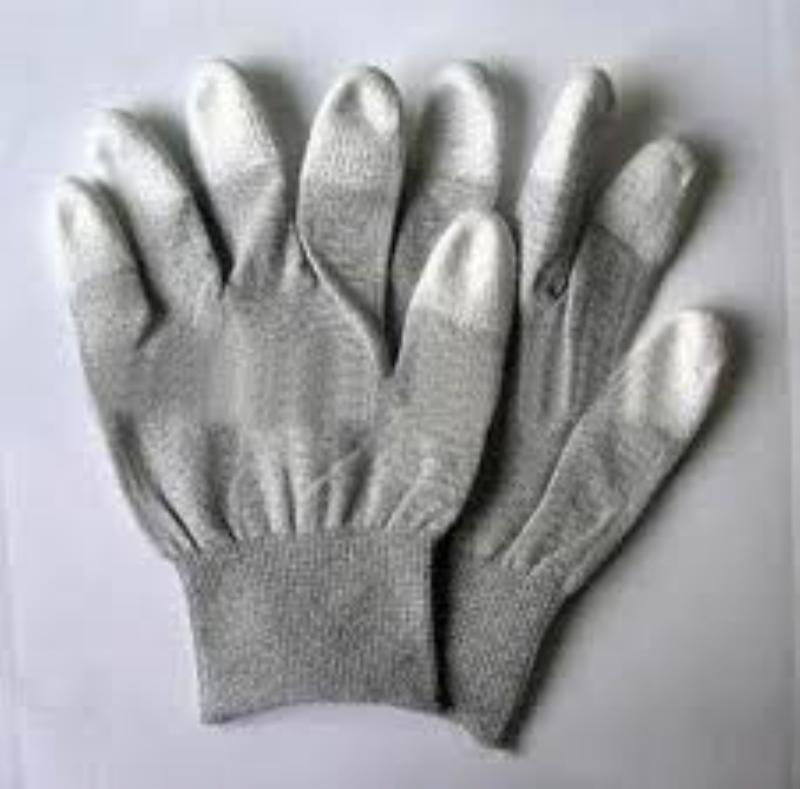 găng tay phủ các bon