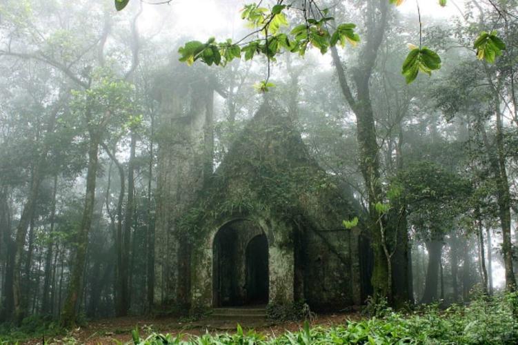 Đền thượng du lịch vườn quốc gia Ba Vì
