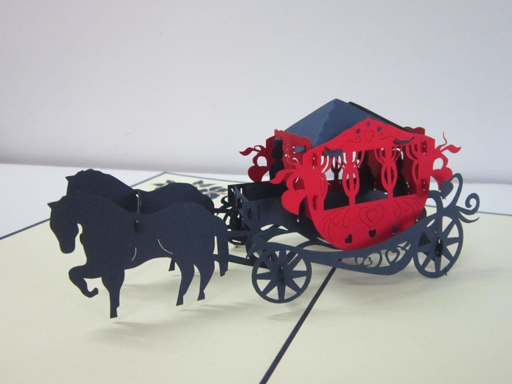 thiệp nổi 360 độ hình xe ngựa