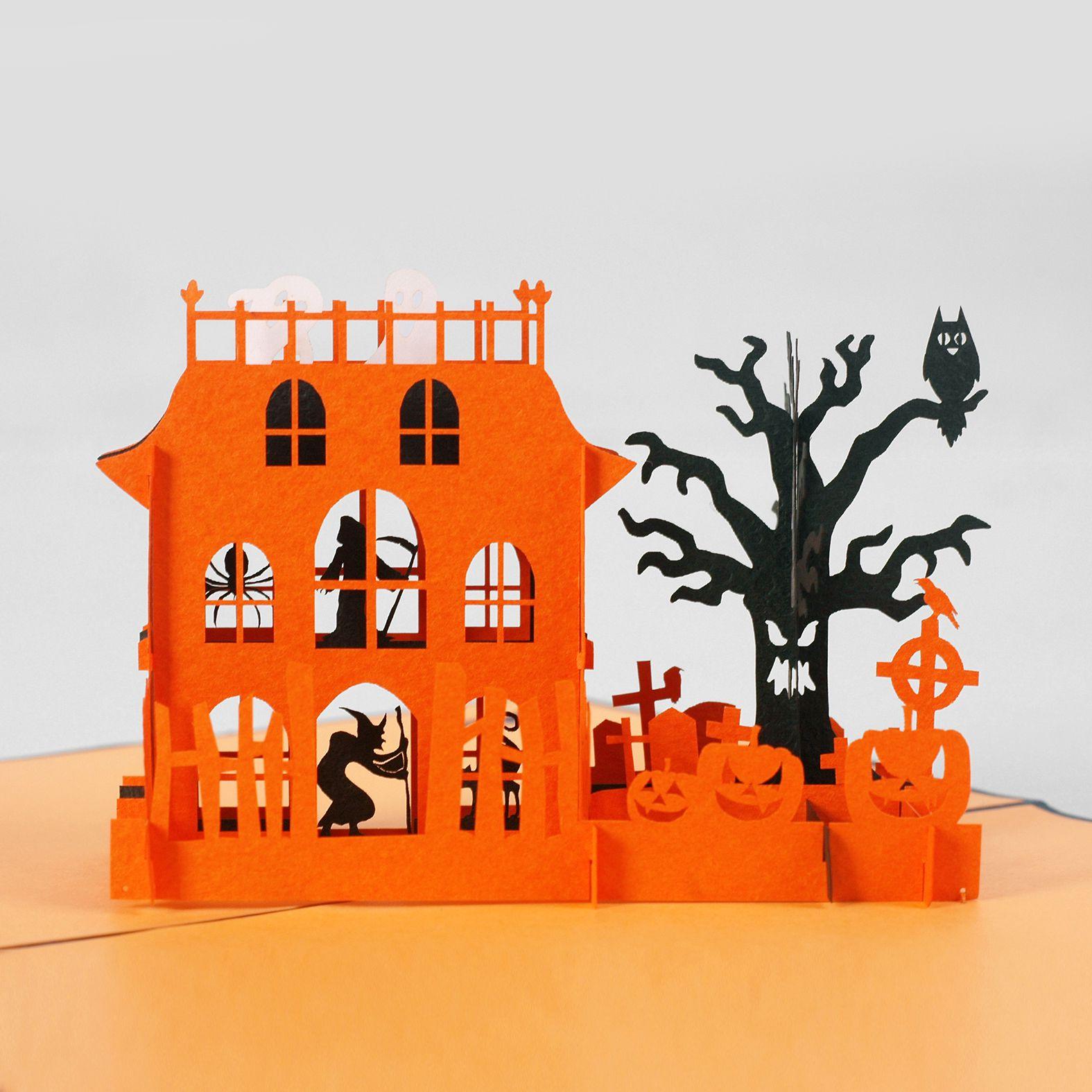 thiệp nổi halloween lâu đài