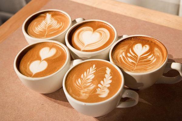 vẽ tranh cà phê
