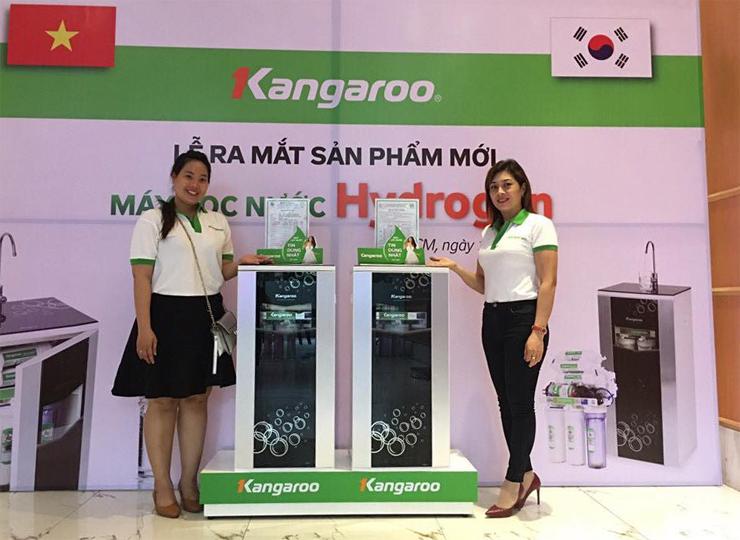Đội ngũ nhân viên KangarooStore.vn chuyên nghiệp, được đào tạo chính hãng