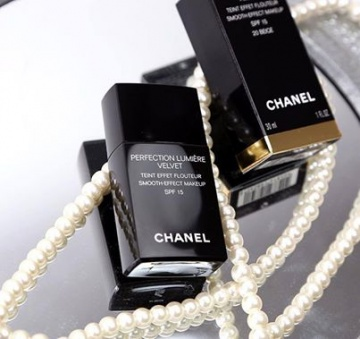 Kem nền Chanel Perfection Lumiere Velvet Pháp