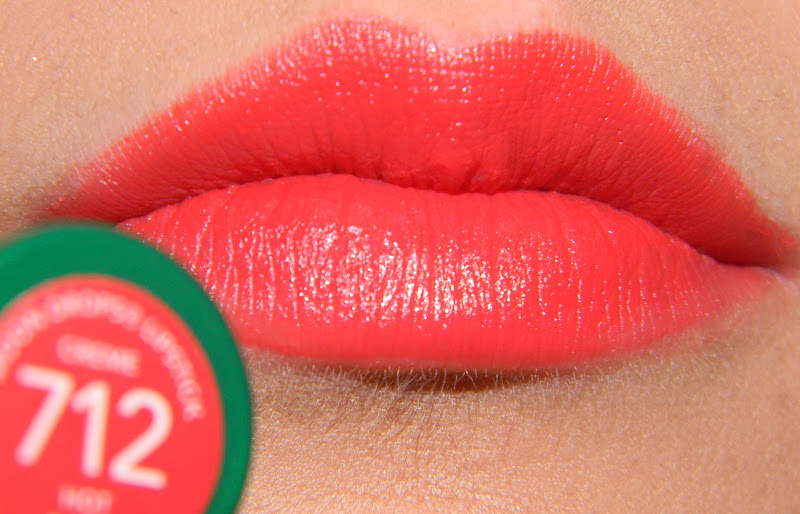 swatch Son Revlon Moon Drops in Hot Coral 712