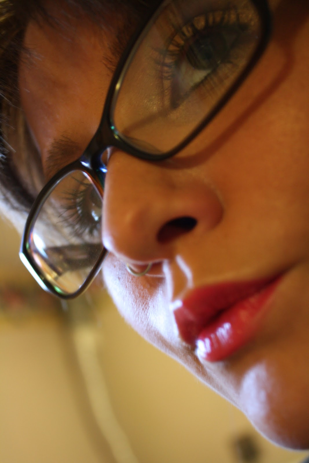Swatch son Revlon Moon Drops Lipsticks 590 - Lilac Champagne