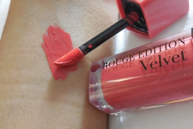 Son Bourjois Rouge Edition Velvet - 04 Peach Club