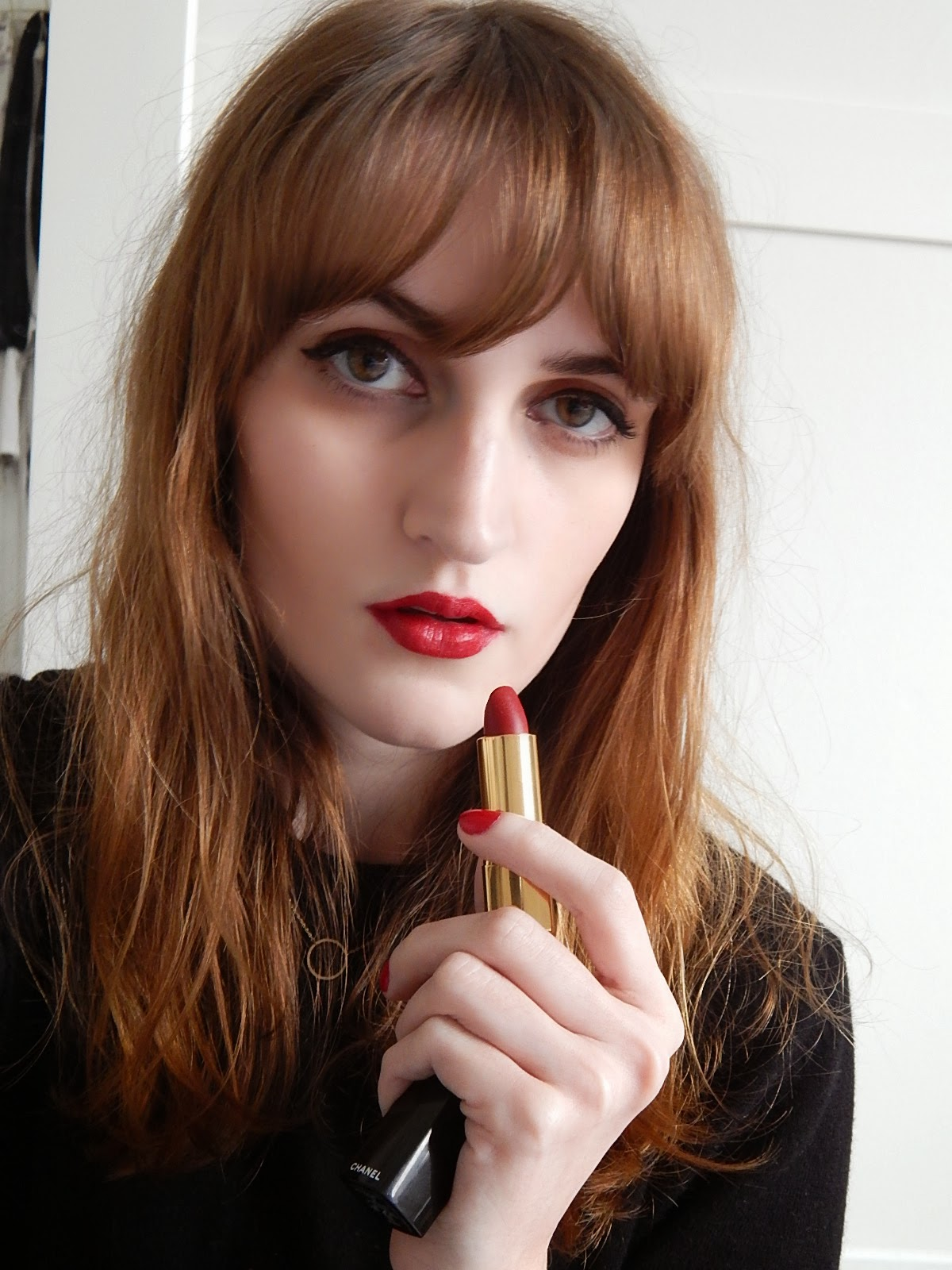 Son chanel rouge allure velvet 38 fascinante