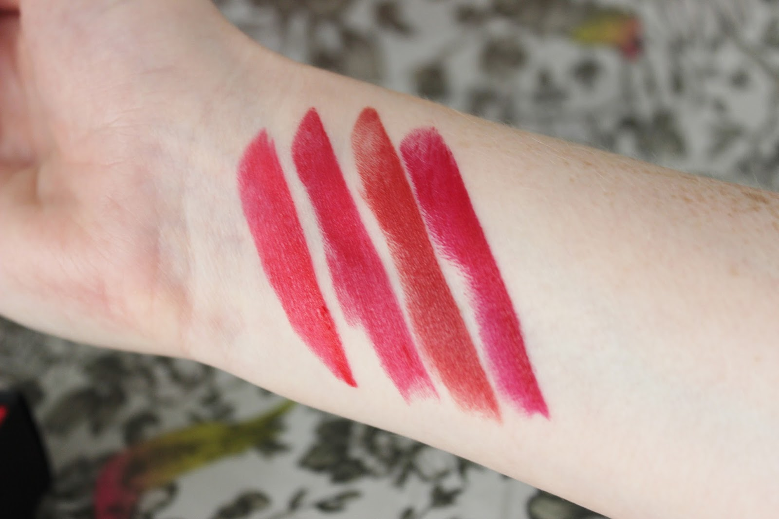 Son L'Oreal pure reds swatches - Julianne, Liya's, Eva's and Blake's