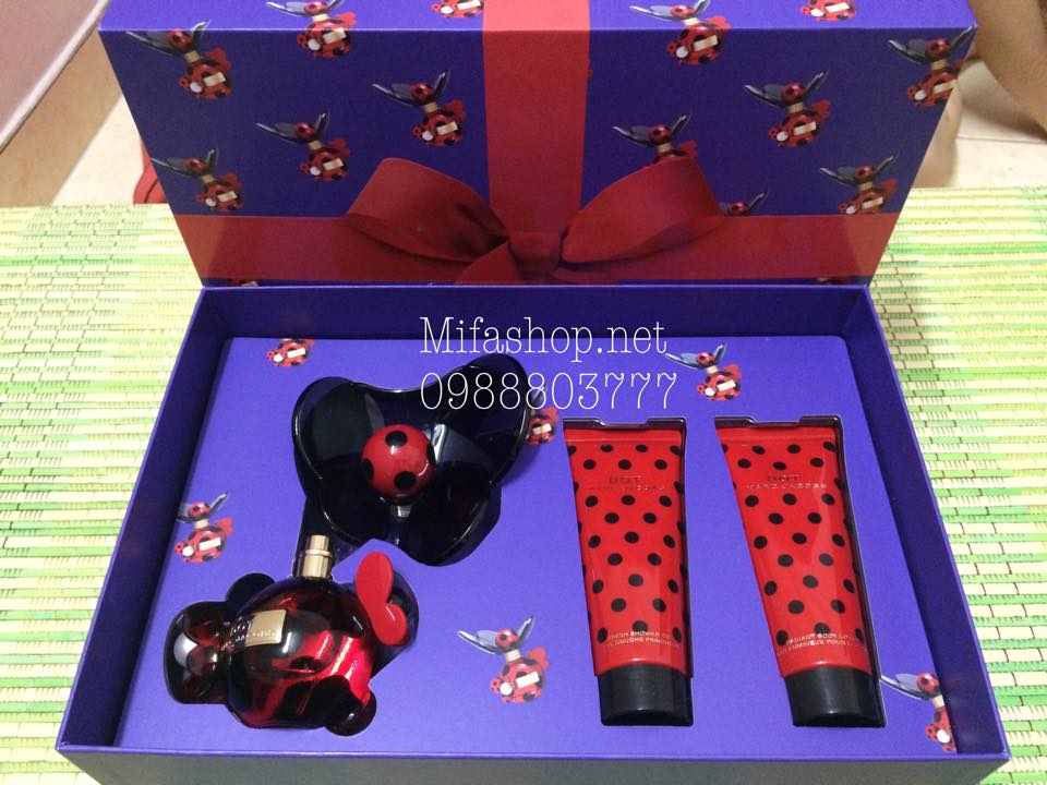 Set qua tang Dot Marc Jacobs 1