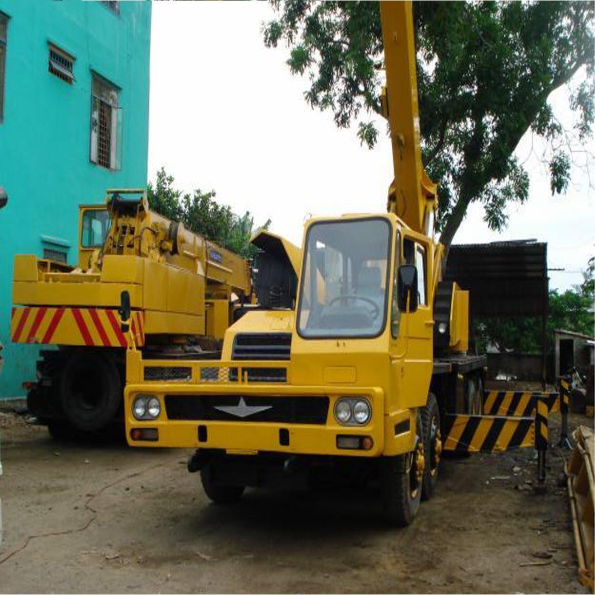 Cho thuê xe cẩu ở quận 4 tp Hồ Chí Minh