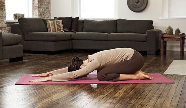 Động tác yoga loại bỏ stress