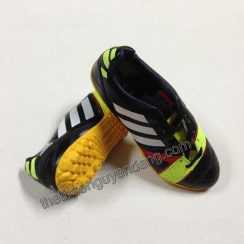 giay_da_bong_adidas_nitrocharge_da_that_mau_den