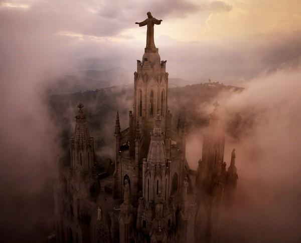 Chùm ảnh châu Âu đẹp đến ngoạn mục được chụp từ trên không trung 1